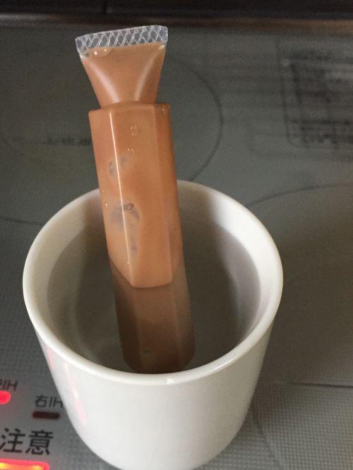 クッキーにイラストを描く チョコペンの湯煎