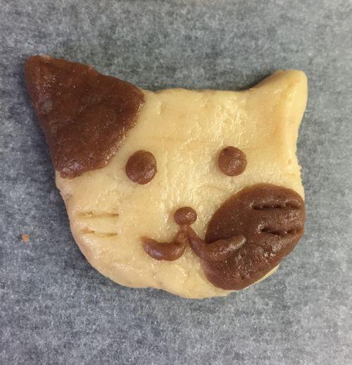 動物の形のクッキー生地